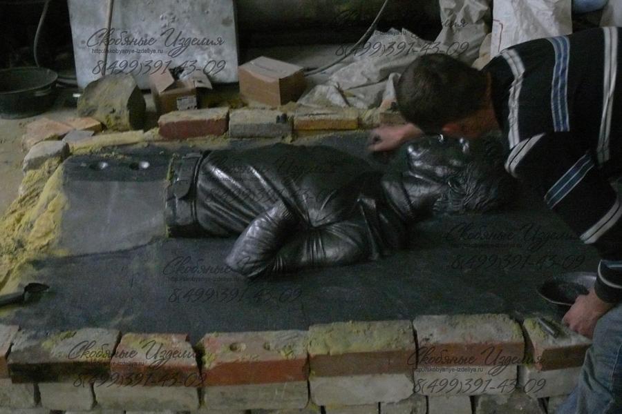 Formuem_dlya_litya_v_bronze_model_skulpturyi_iz_plastilina.